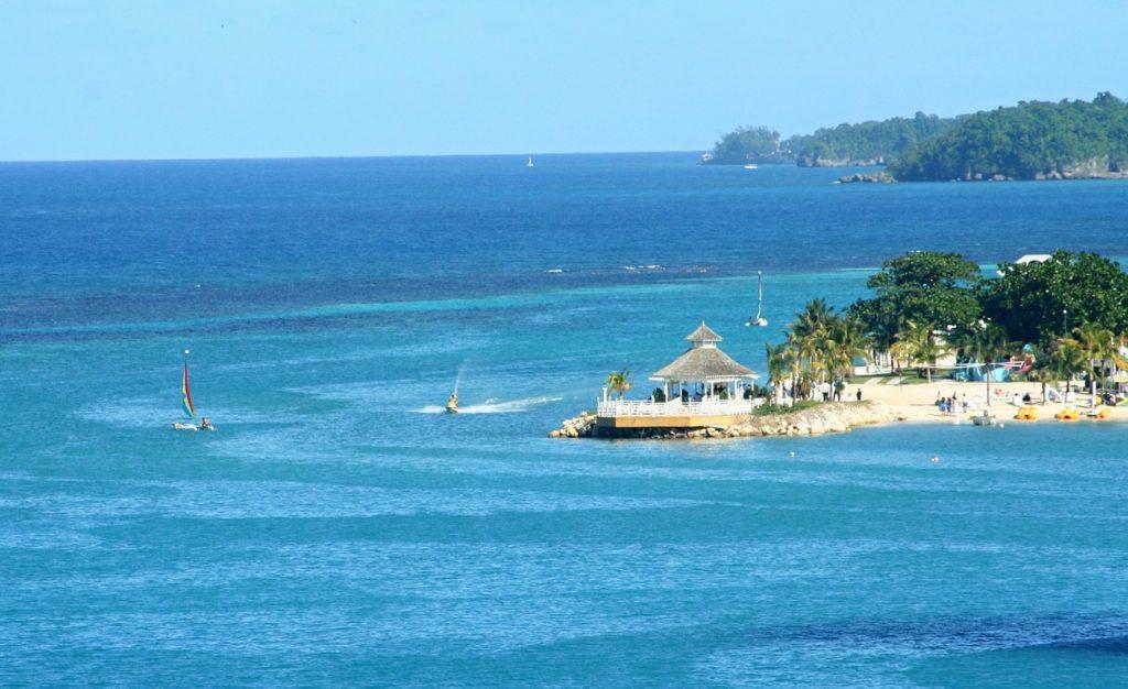 Jamajka - pláže Ochos Rios