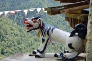 Dovolená v Bhútanu - drak
